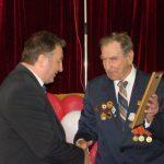 Заступник голови Богунської Ради ветеранів нагородив ректора ЖДТУ Почесною грамотою