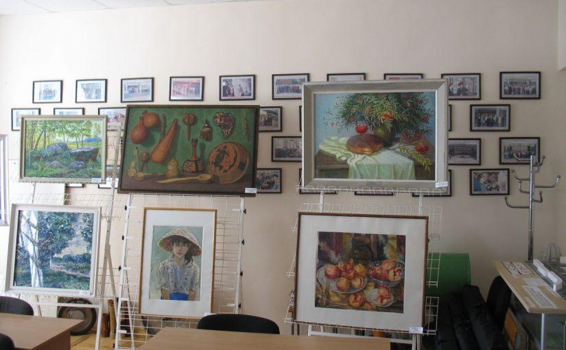 У ЖДТУ проходить виставка експозицій Кмитівського музею образотворчого мистецтва імені Й. Д. Буханчука