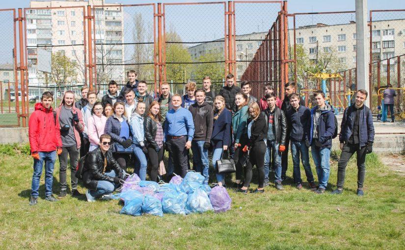 """Студенти Житомирської політехніки """"За чисте довкілля""""!"""
