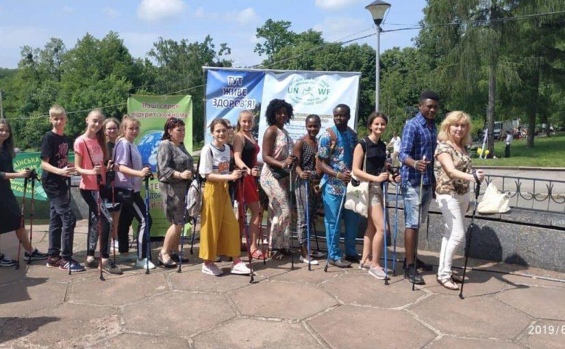 Іноземні студенти Житомирської політехніки – волонтери Літнього мовного табору при спеціалізованій загальноосвітній школі № 20